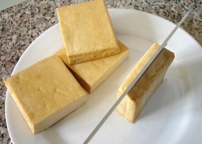 Tak veľké percento cestíčka s olejom na malej nosnej ploche tofu